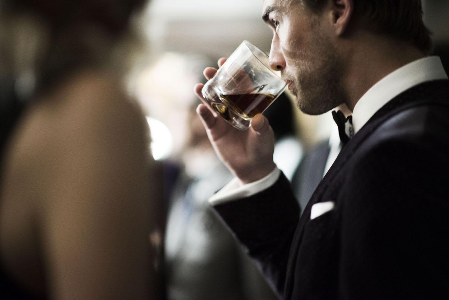 Vinul rosu si erectia – vreo legatura?