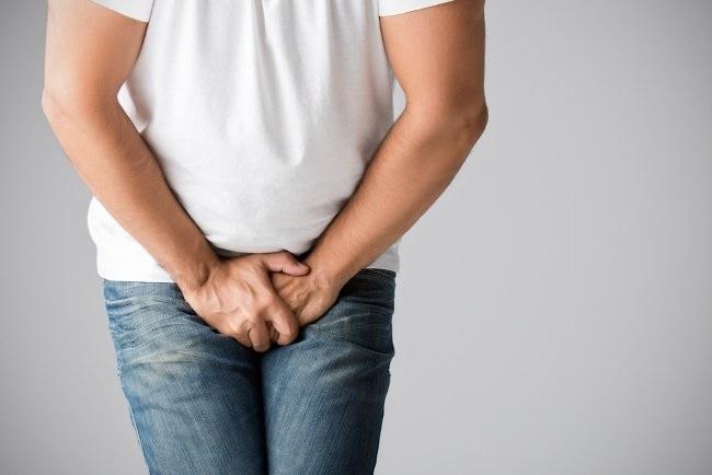există o erecție cu amputare testiculară