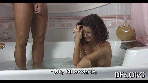 Virgina vede pula prima data si sare pe ea sa o bage in pizda - filme XXX gratis